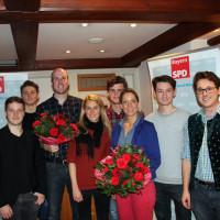 Die Kandidaten für Landtag, Verena Schmidt-Völlmecke, und Bezirkstag, Tim Roll, kommen aus der Marktgemeinde